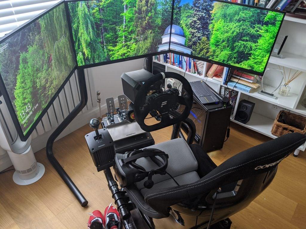 triple screen racing simulator