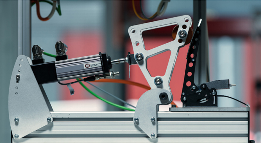 Prototype Sprint clutch undergoing mechanical stres testing