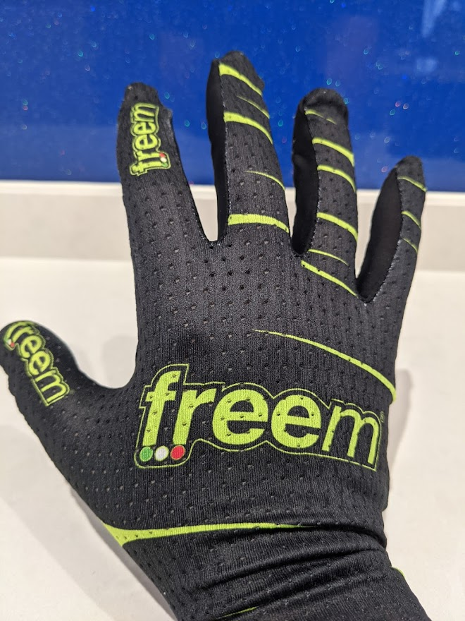 Freem sim racing gloves - note the fingertips are too long for me
